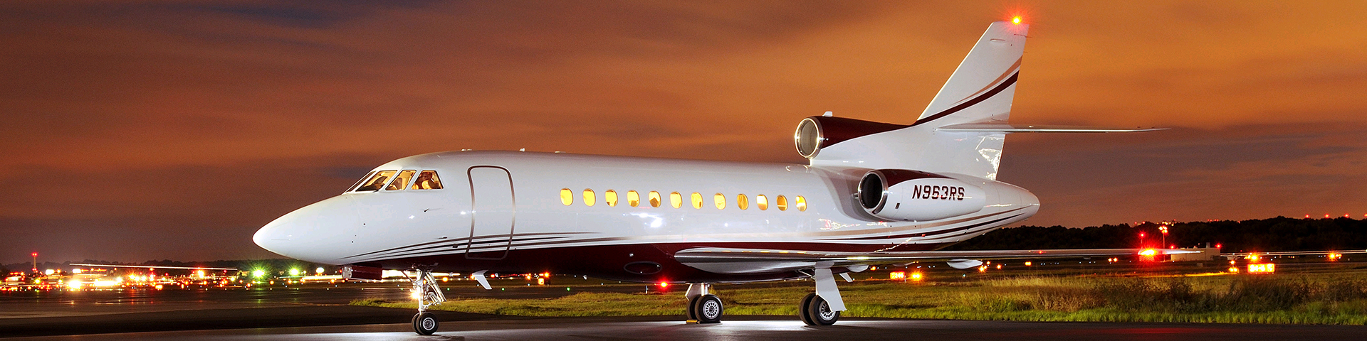 Falcon 9001 - Falcon 900 Private Jet
