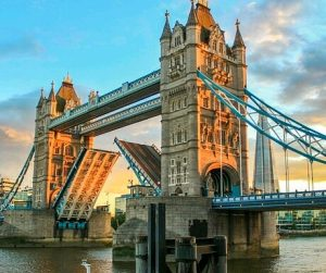 London 460x385 300x251 - 7 of the Most Popular Private Jet Destinations